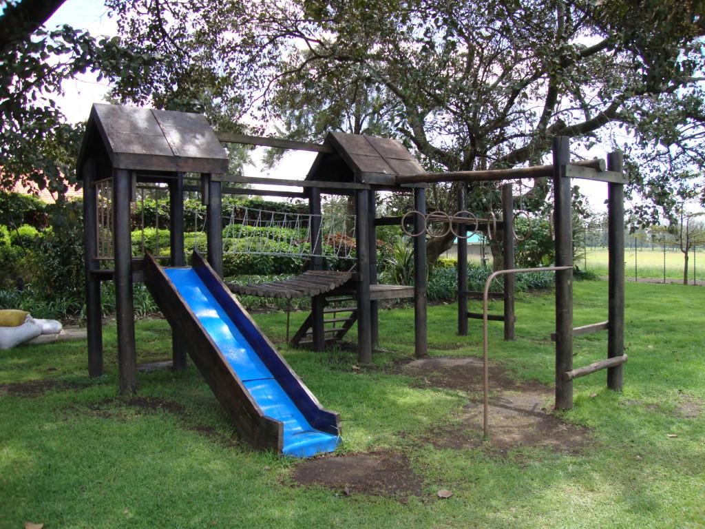 Small Backyard Jungle Gym